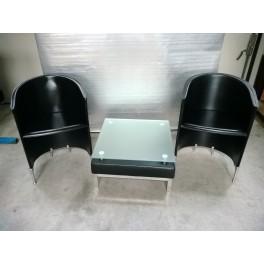Poltroncine in cuoio moderne con tavolino