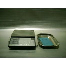 Bilancia elettronica da banco con etichettatrice
